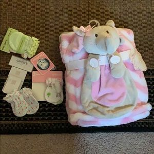 Other - Kids blanket and mittens